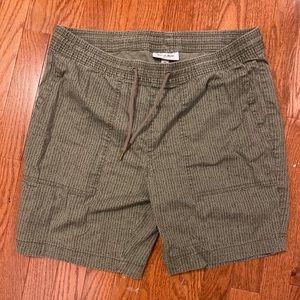 Goodfellow & Co Safari Green Shorts - Medium